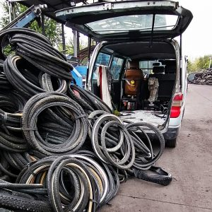 Bicycle tyre recycling by Felvarrom